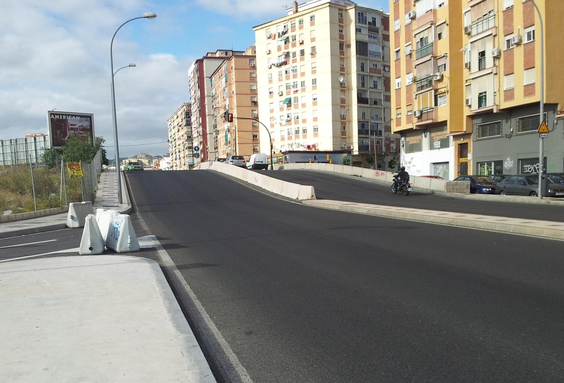 La correcci�n de la rasante prevista permitir� mejorar la confluencia de las calles Bodegueros y Reboul con la avenida Juan XXIII