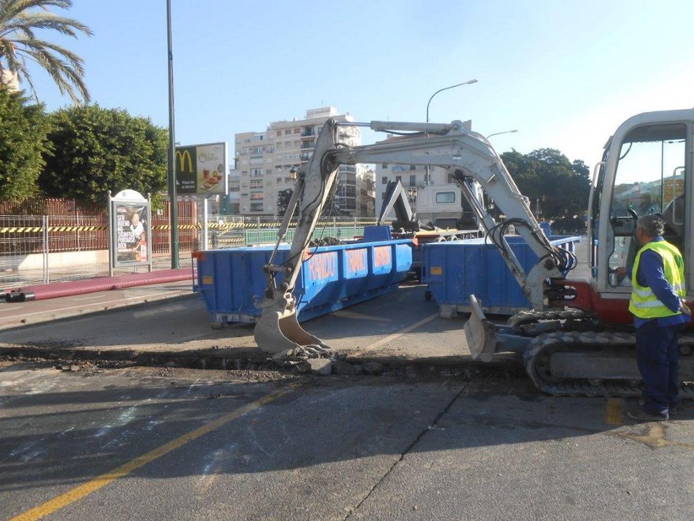 Los desv�os de servicios afectados por las obra del metro de M�laga obligan a cambios en el tr�fico de Alameda Principal
