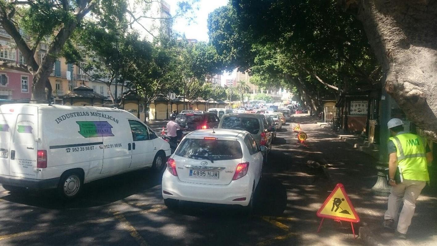 La obra del metro de m laga en el centro genera nuevos - Oficina de trafico en malaga ...