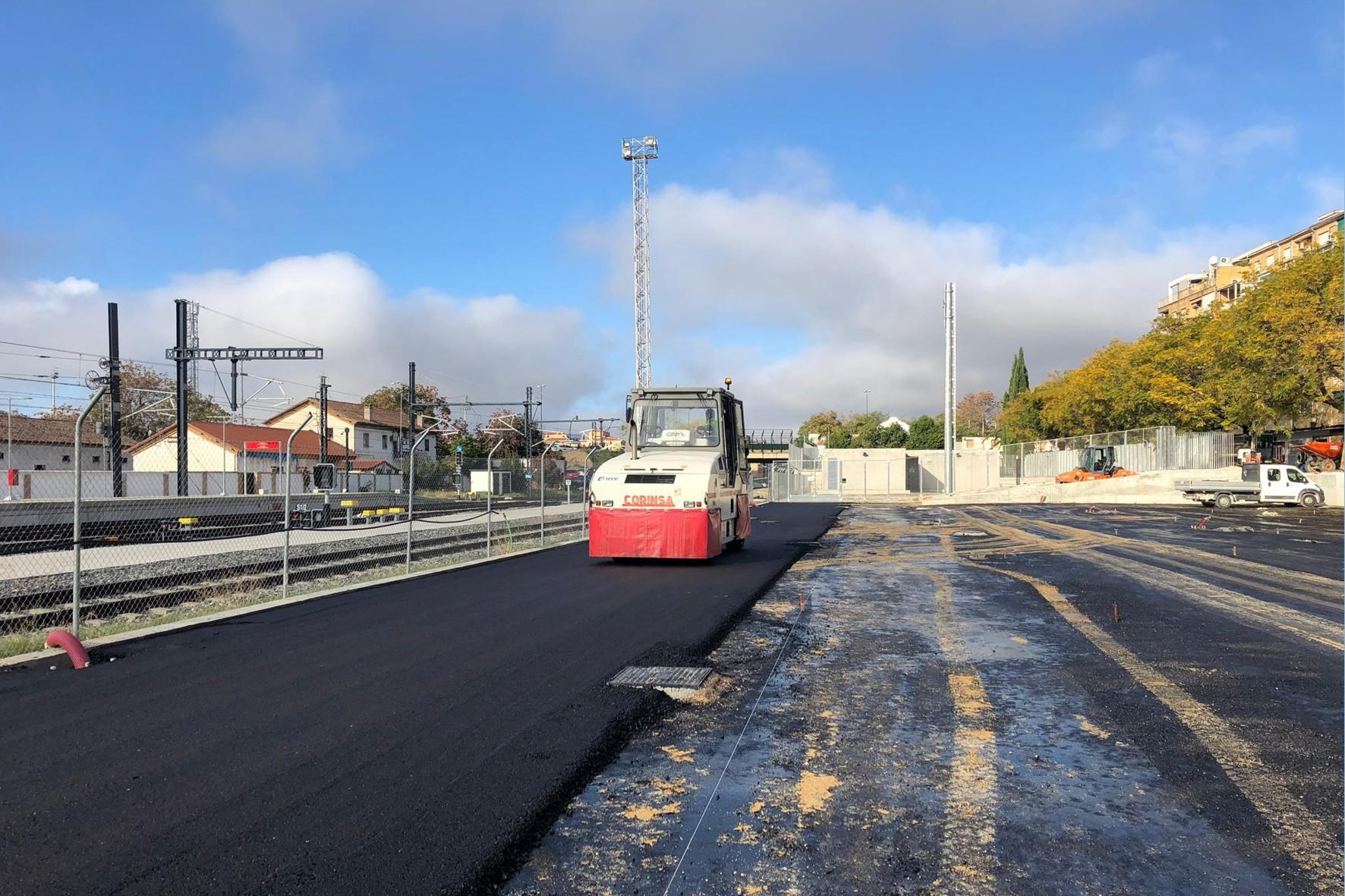 Avance de las obras en el parking que se está ejecutando como compensación por las obras del Metro de Granada.