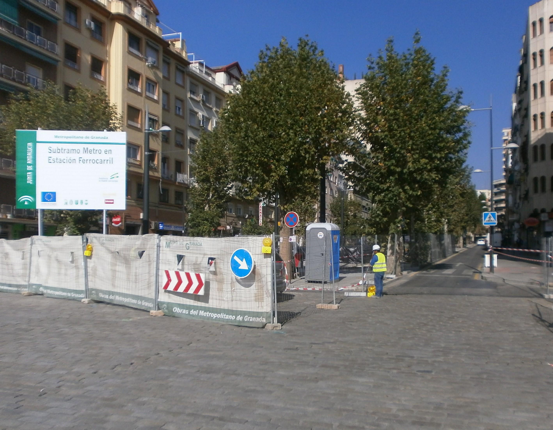 Colocan el cartel de obras en la avenida de los Andaluces.