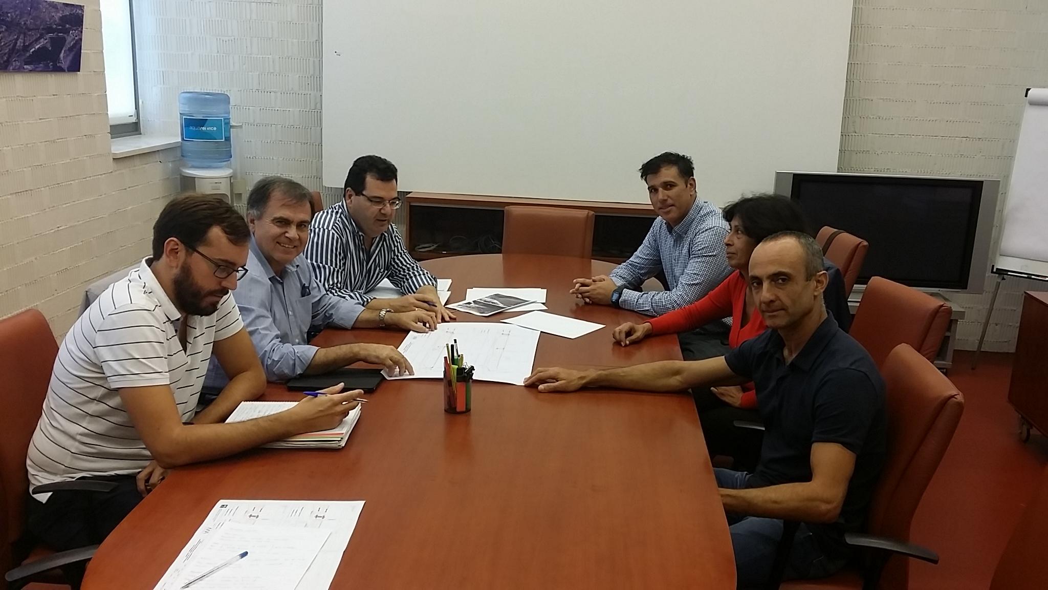 Reuión entre responsables del metro de Málaga y comerciantes de la Alameda.