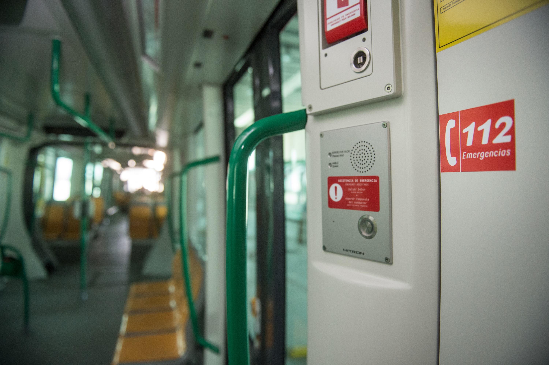 El servicio de Emergencias 112 en el metro de Granada.