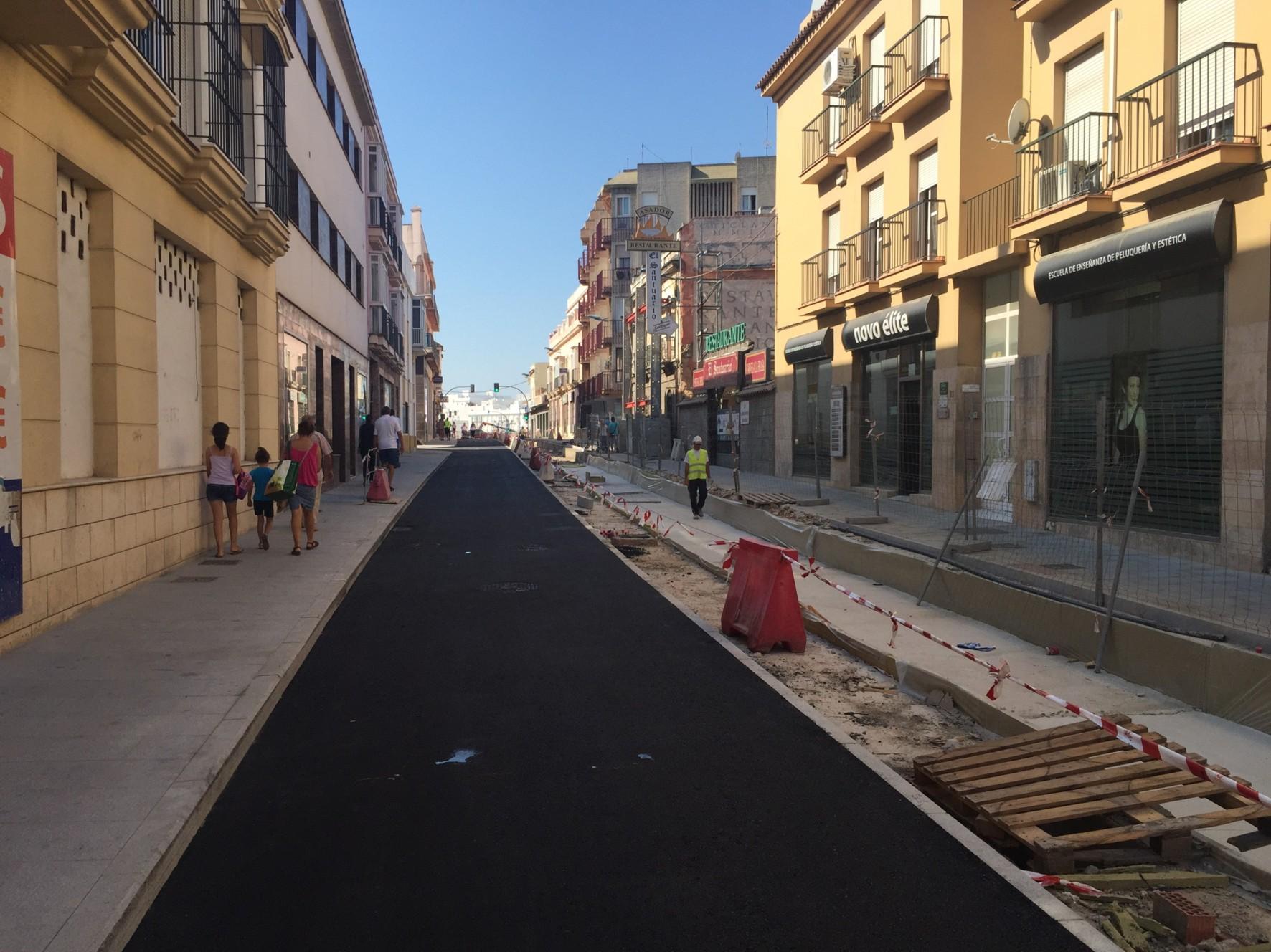 La calle Mendiz�bal ha quedado hoy preparada para el paso de la Vuelta Ciclista a Espa�a.
