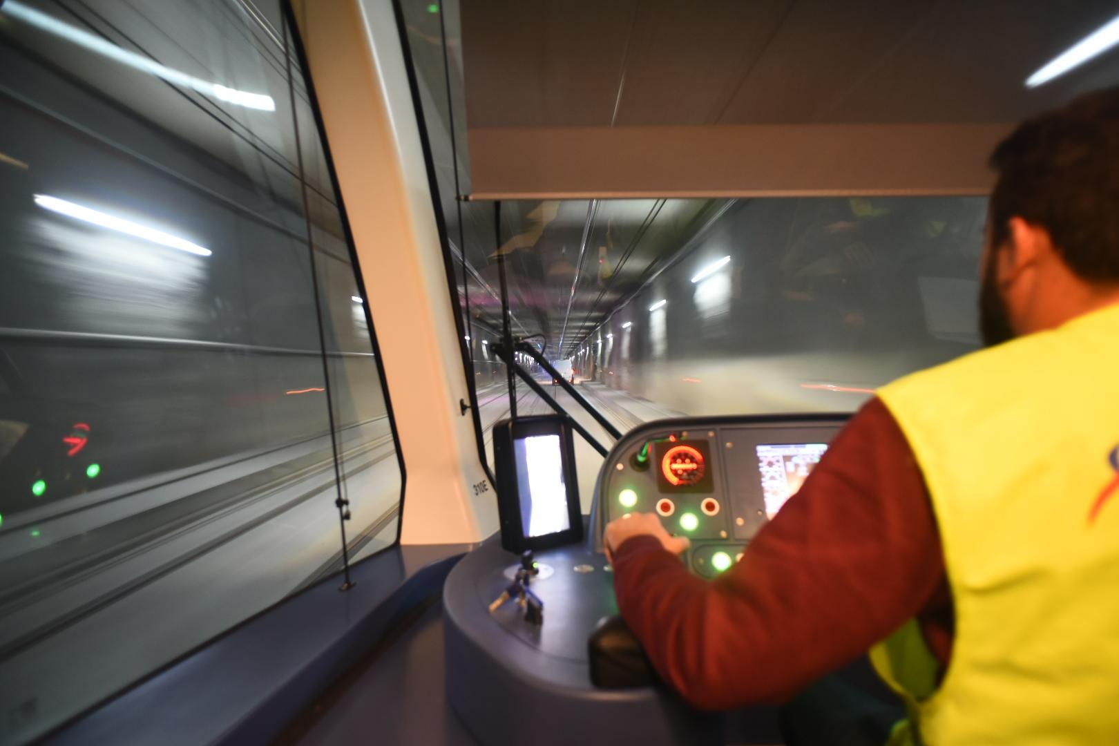 El metro de Granada se pone en servicio mañana con la previsión de transportar 30.000 viajeros diarios