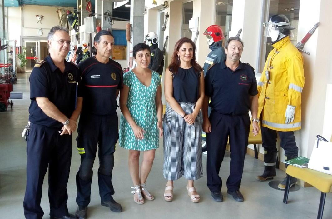 Junta y Ayuntamiento de Granada forman a bomberos y a per-sonal del metro para extinguir incendios en la infraestructura