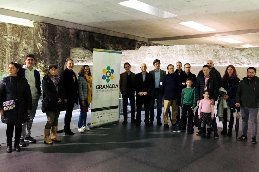 Participantes en las jornadas sobre Ciencia organizadas en el metro de Granada.