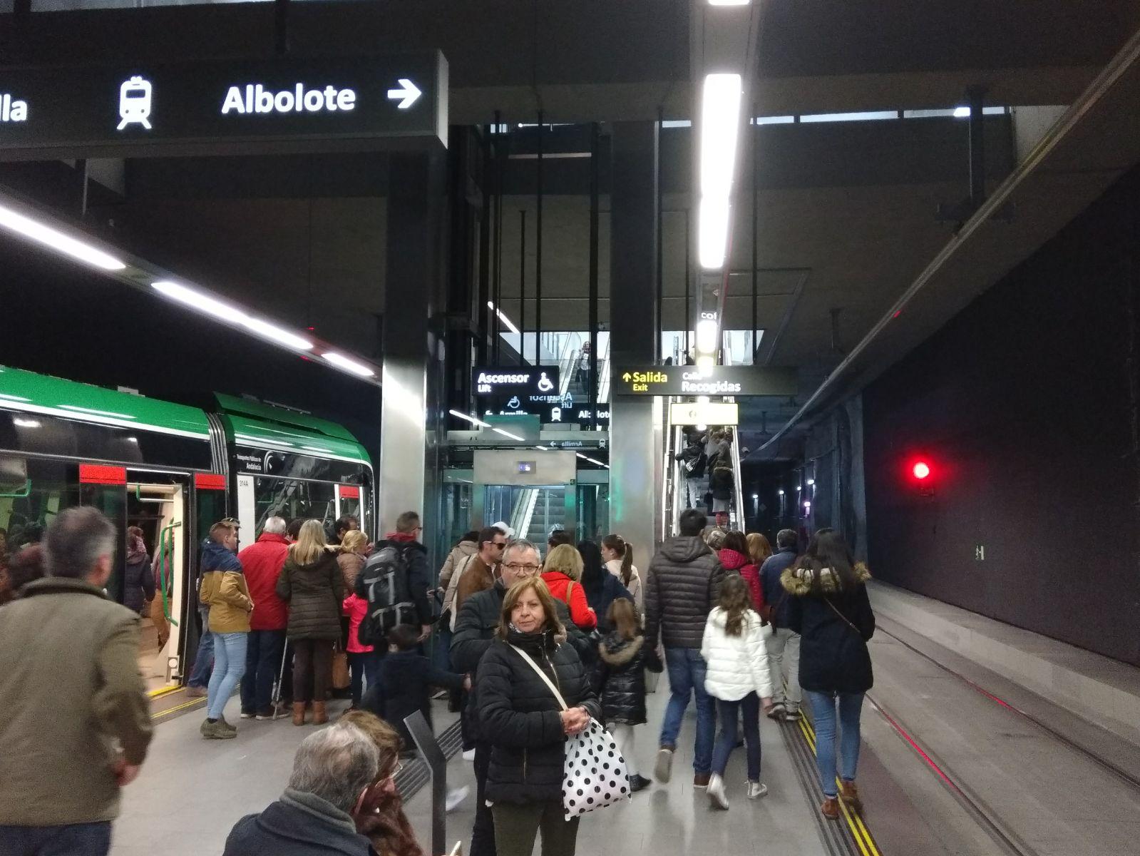 Metro de Granada registra un 9,7% más de viajeros durante esta Semana Santa