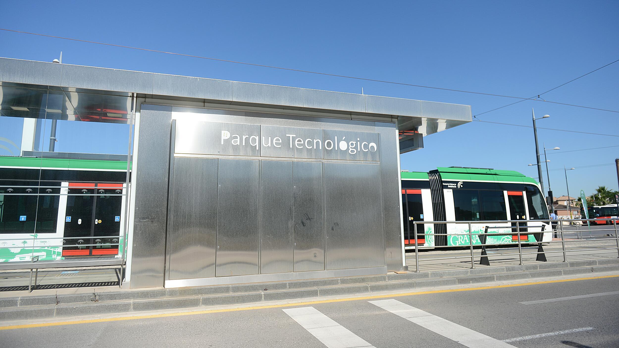 El metro protagoniza la campaña de Seguridad Vial en el PTS.
