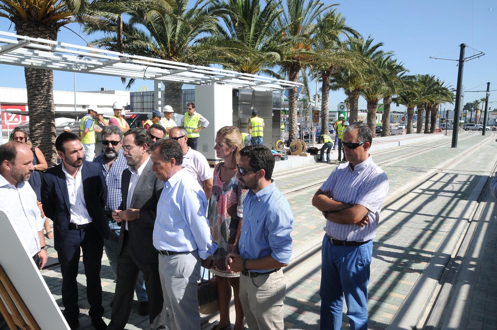 El consejero de Fomento ha podido comprobar el ritmo de los trabajos en el tramo de Alameda de Solano
