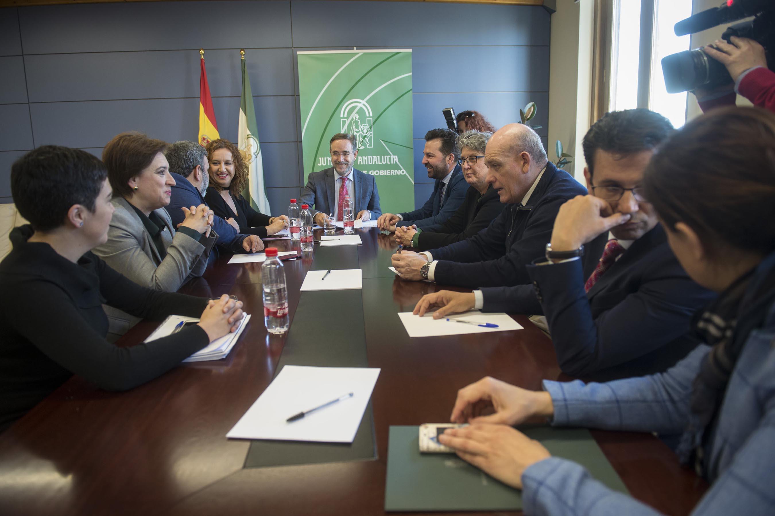 Reunión del consejero de Fomento con los alcaldes del área metropolitana de Granada beneficiados por el Metro.