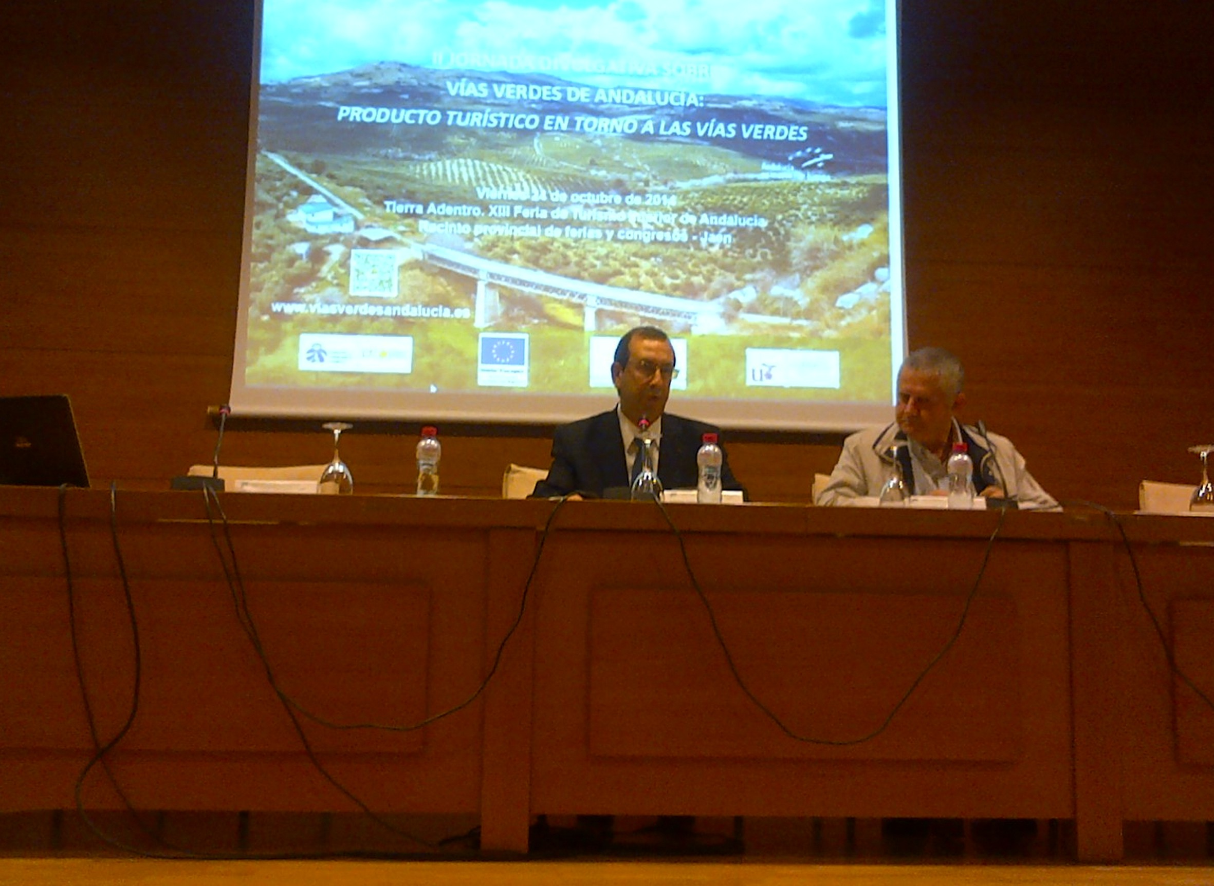 El delegado territorial de Fomento en ja�n inaugura la Jornada sobre V�as Verdes.