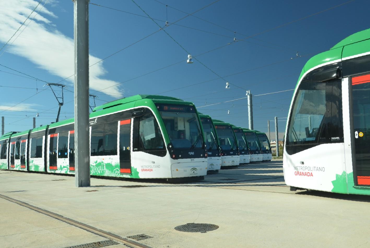 En Talleres y Cocheras est�n ubicadas las 15 unidades de trenes de metro de Granada.