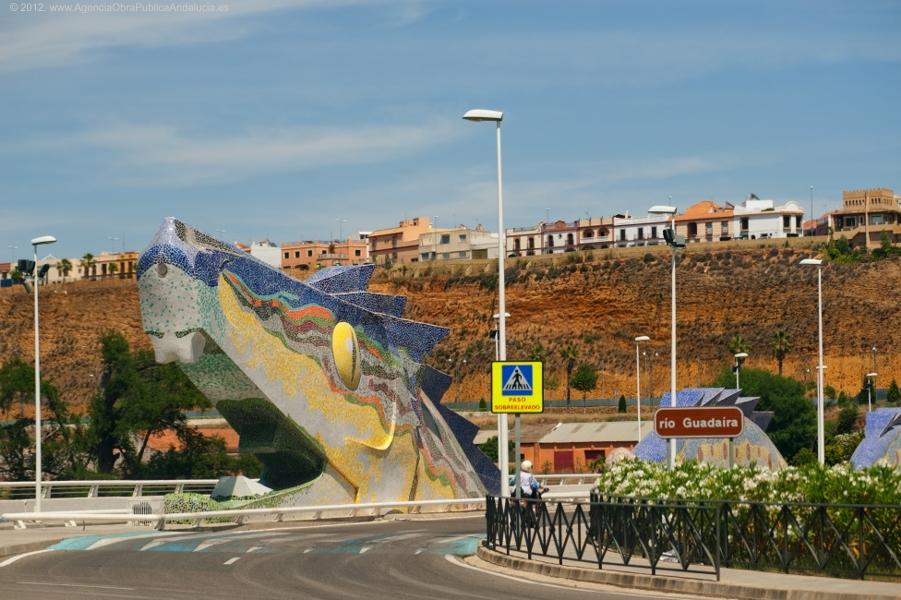 El Puente del Dragón cumple hoy diez años en servicio en la localidad sevillana de Alcalá de Guadaíra