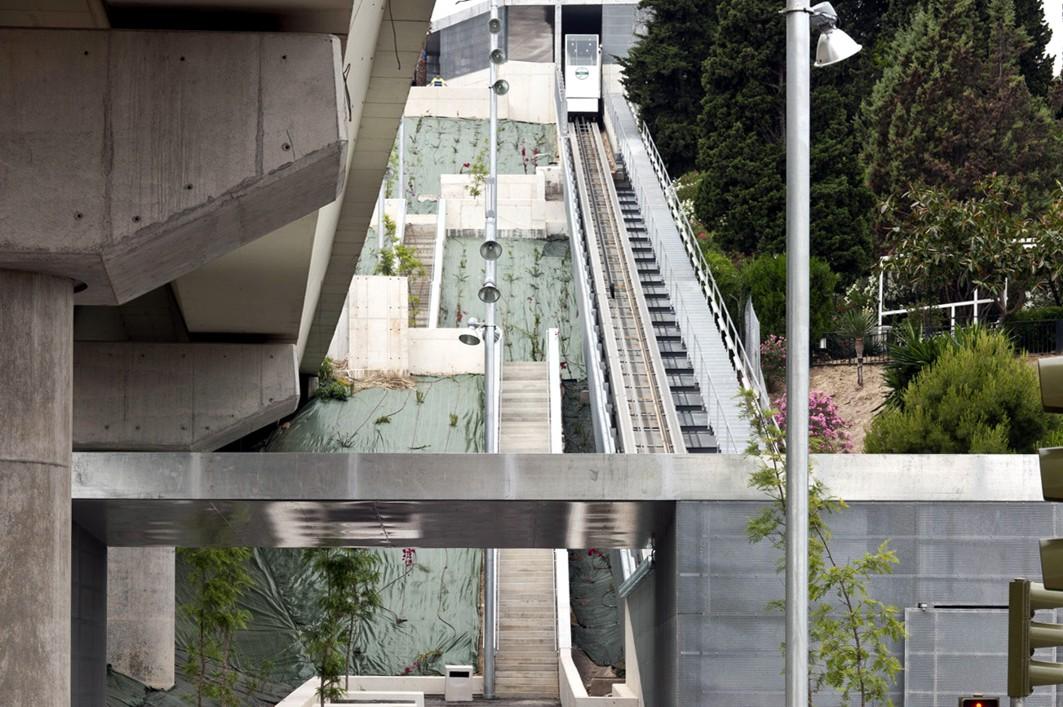 El Colegio de Arquitectos de Sevilla premia la urbanizaci�n del barrio del Monumento en San Juan, asociada al metro