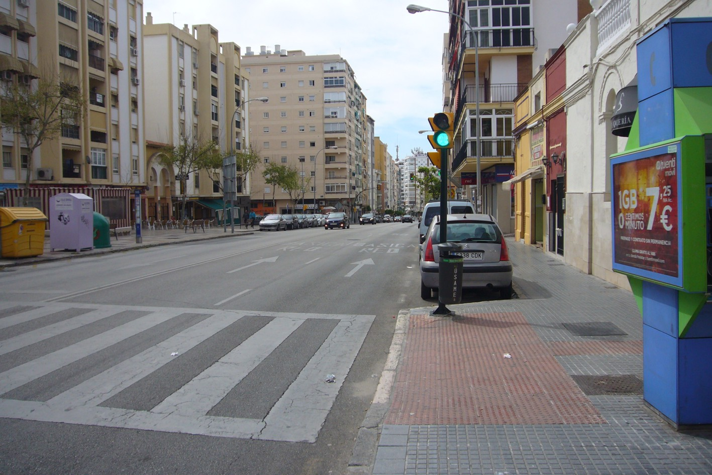 Calle Eugenio Gross en la prolongaci�n del metro hacia el Hospital Civil de M�laga.