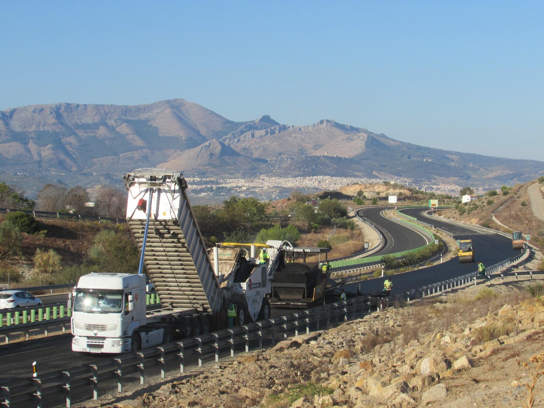 La puesta en servicio de este tramo est� prevista en el transcurso de este mes de octubre.