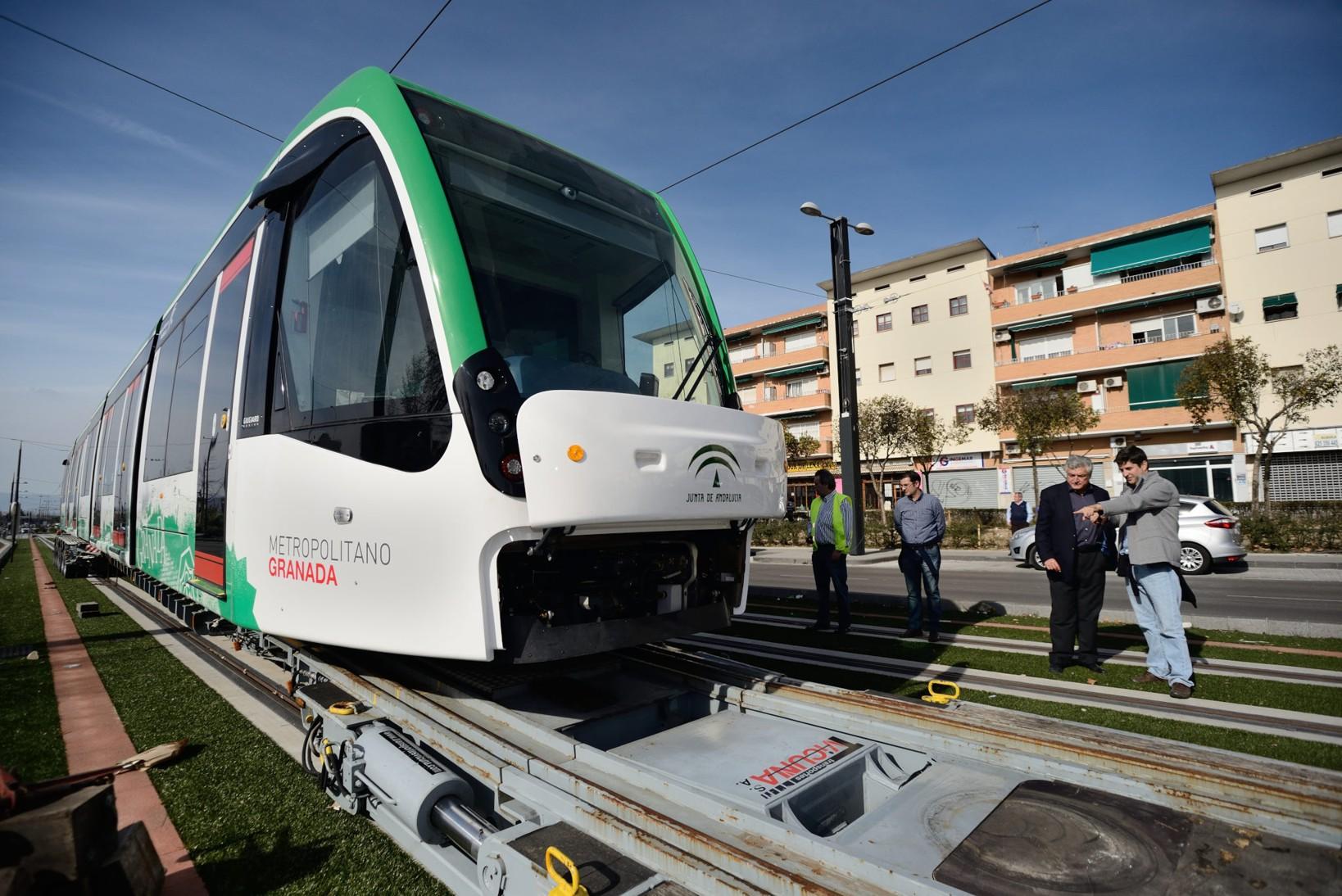 Metro de Granada recibe la cuarta unidad de su flota de trenes para su incorporaci�n a la fase de pruebas