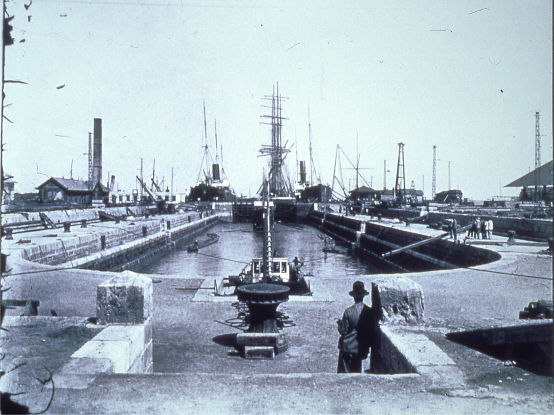Imagen histórica del dique seco de Matagorda en Puerto Real (Cádiz).