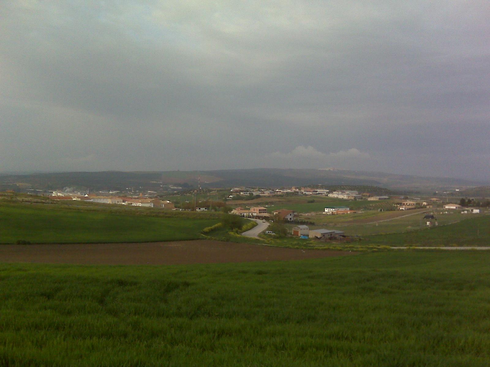 Imagen de la zona por donde discurrirá la variante, al sur de la localidad de Mengíbar.