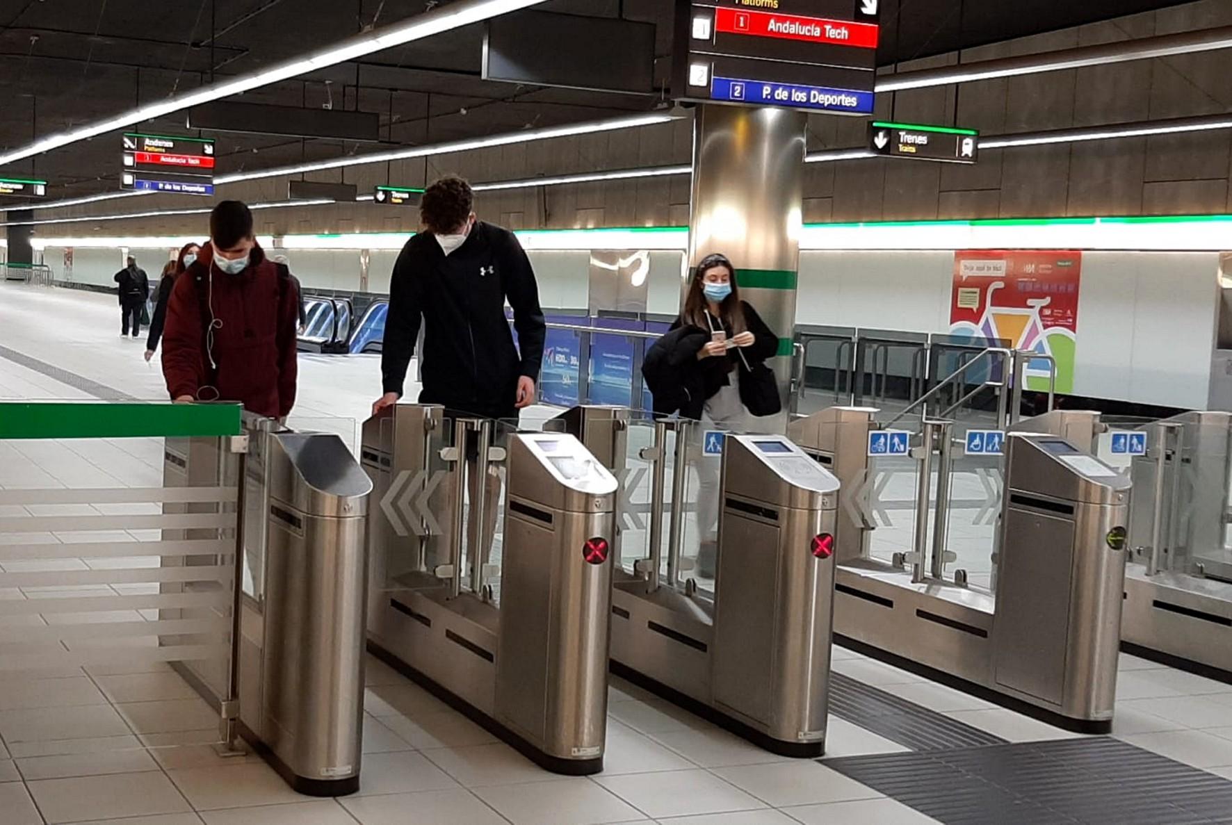 El Metro de Málaga registra el primer alza de viajeros desde el inicio de la pandemia