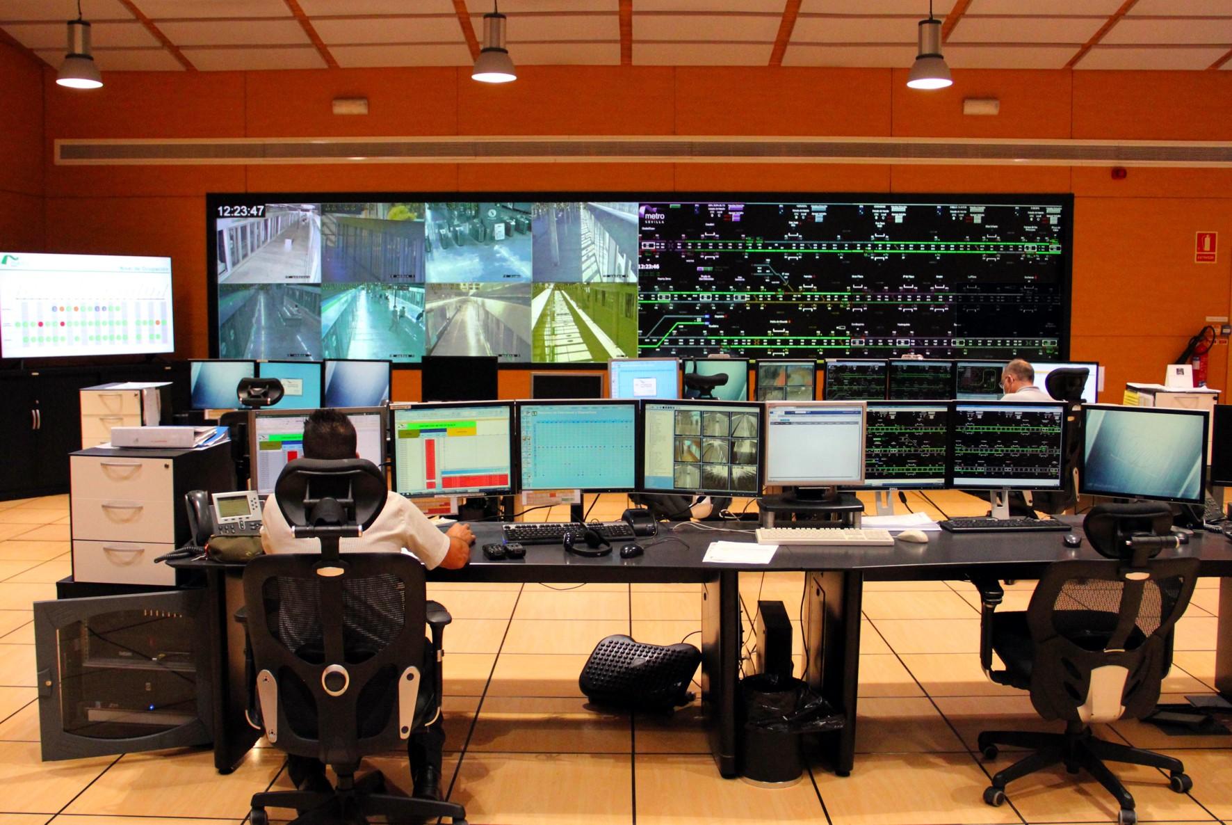 Este sistema, que es pionero en España en su aplicación en el cien por cien de una línea, sitúa a Metro de Sevilla entre los suburbanos más avanzados tecnológicamente.