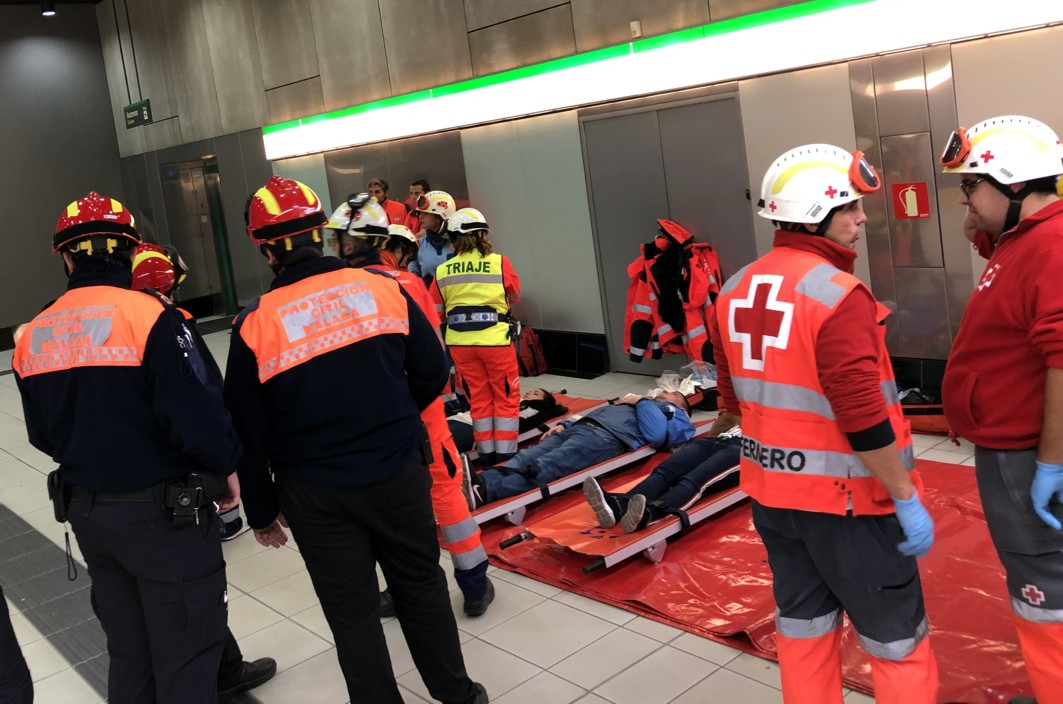 Escena del simulacro de accidente en el metro de Málaga.