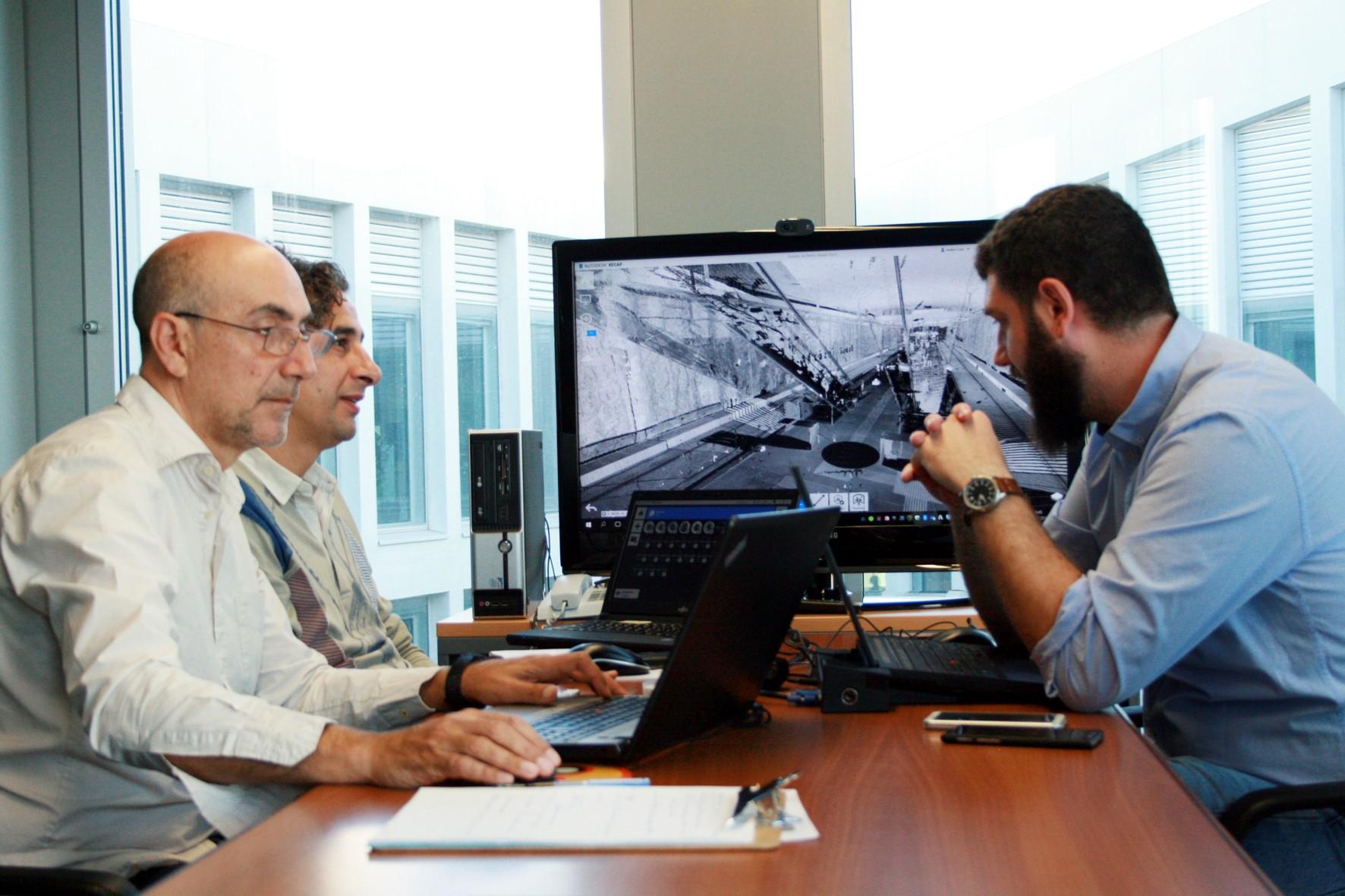 Técnicos de la Consejería formándose en la metodología BIM.