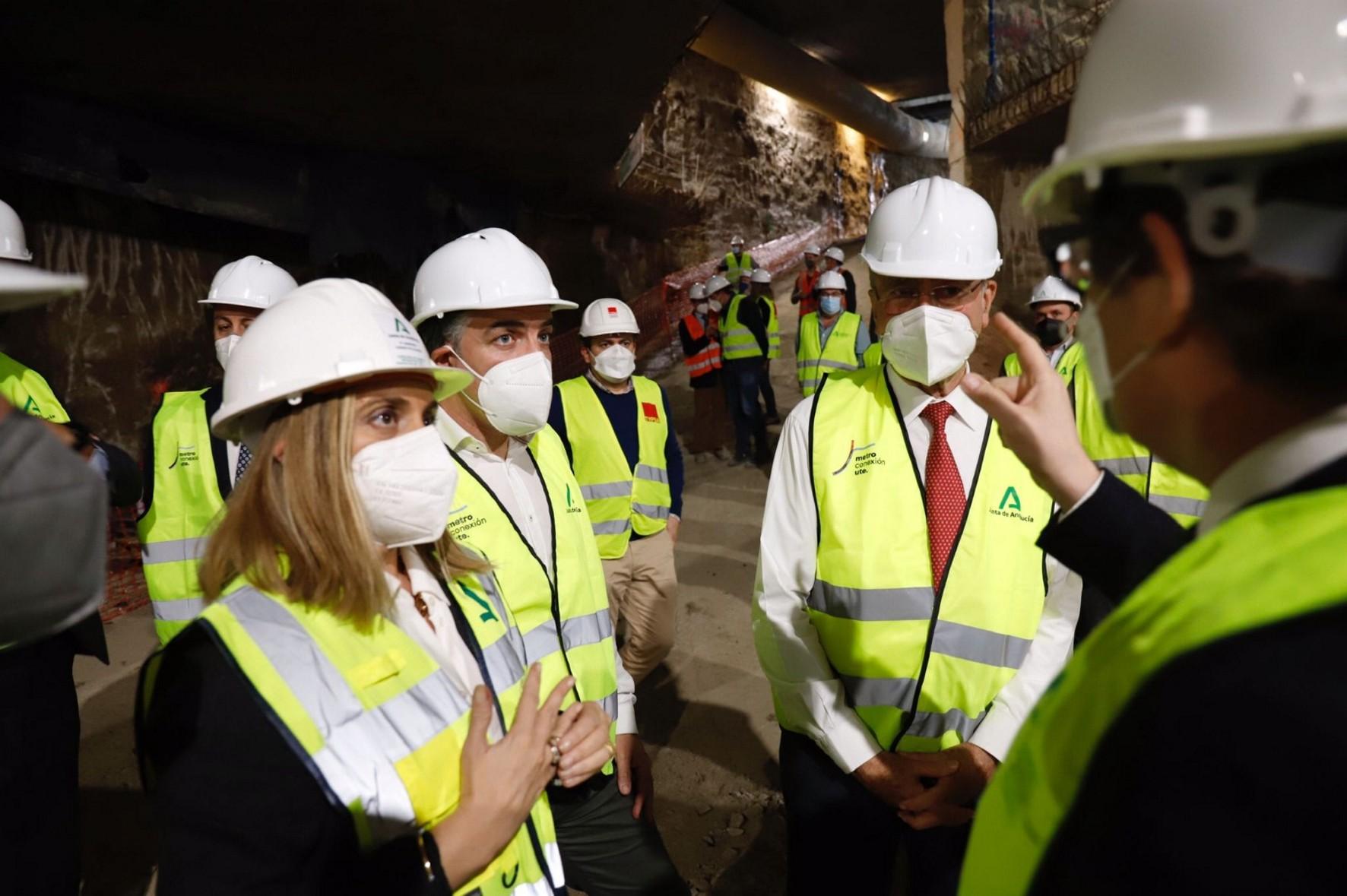 La consejera de Fomento visita las obras del metro de Málaga.