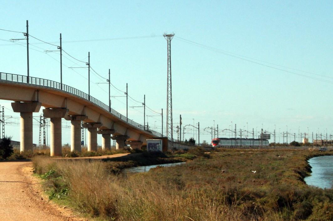 Salto del carnero en el itinerario del tranvía, junto a la futura para de río Arillo.