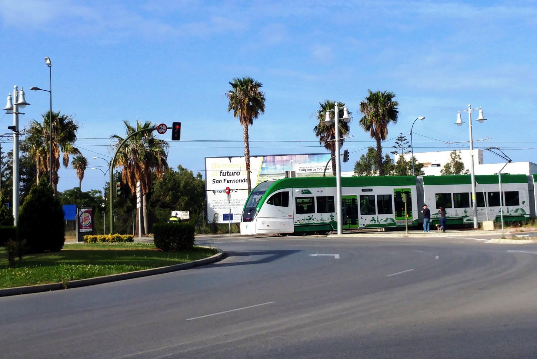El tranvía de la Bahía de Cádiz, en pruebas.