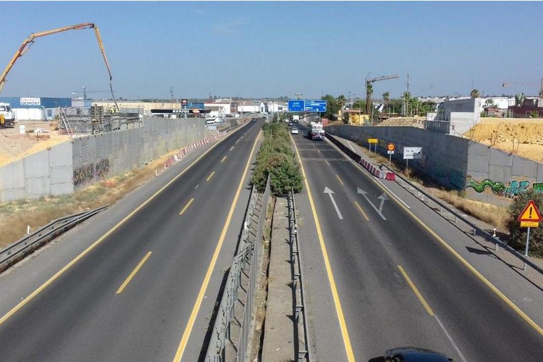 Foto de archivo de las obras de la A-392 a la altura del enlace conla Autovía Sevilla - Utrera.