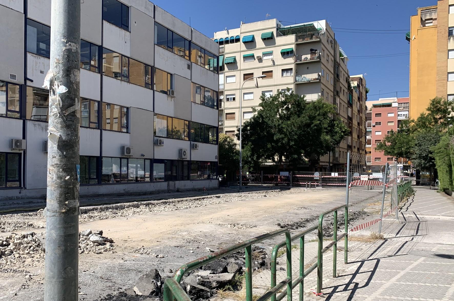 Obras en los Paseíllos Universitarios de Granada.