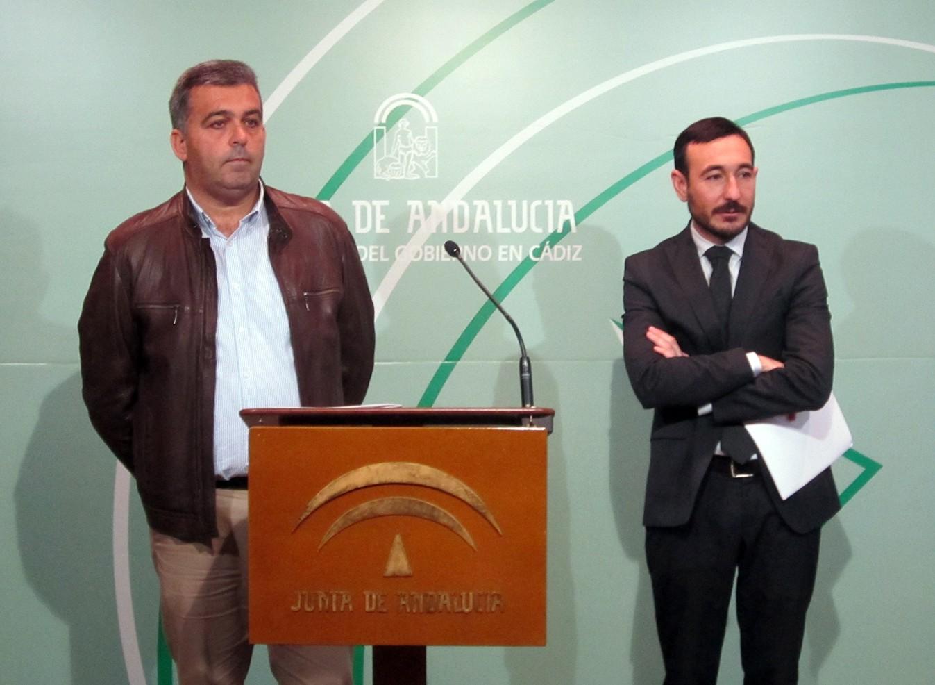 En la foto, los delegados del Gobierno y de Fomento en Cádiz.