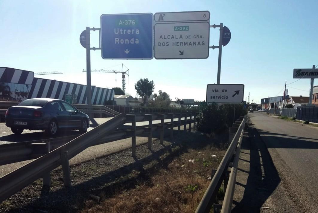 El corte de tráfico afecta a la salida 8 de la Autovía de Utrera.