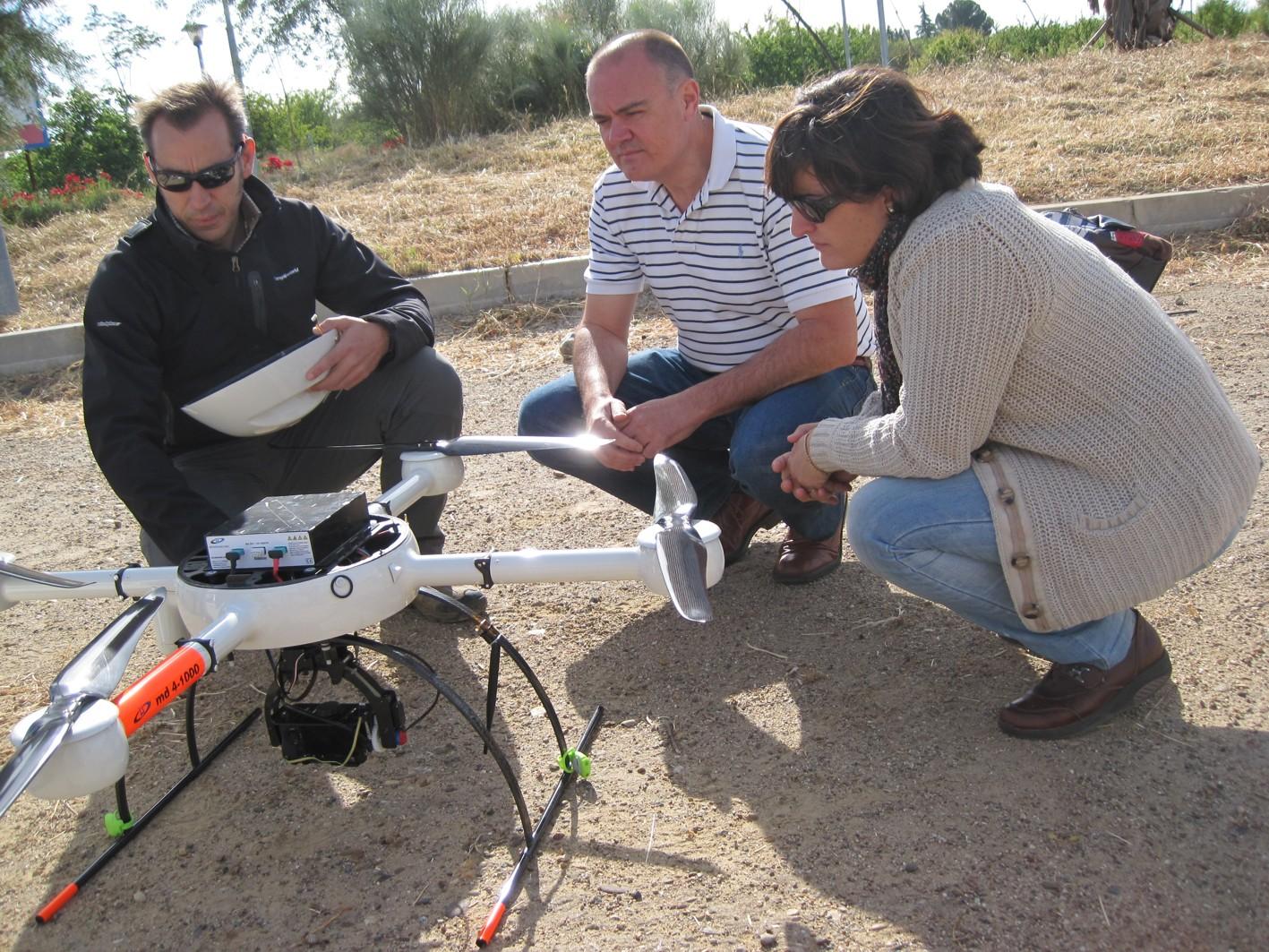Pruebas de vuelo de plataformas aéreras no tripuladas en un proyecto de I+D+i con la Universidad de Córdoba.