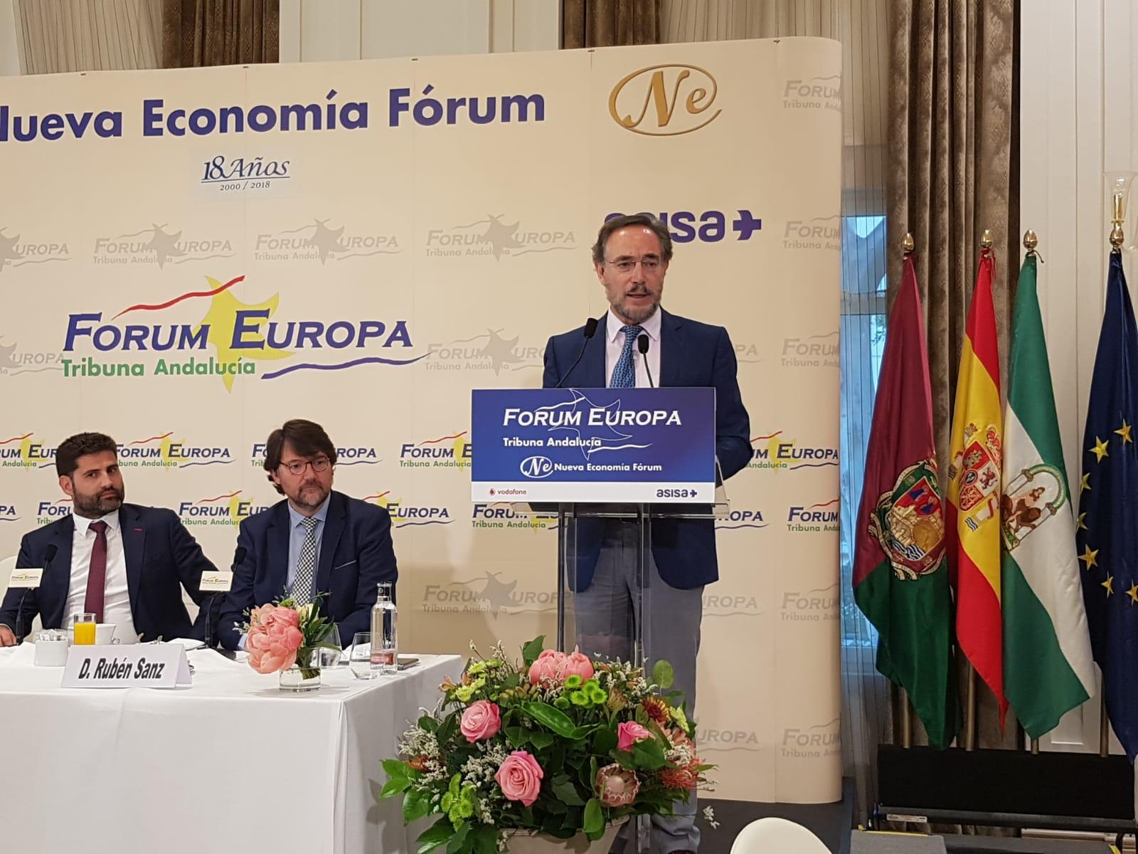 El consjero de Fomento participa en el Forum de Málaga.
