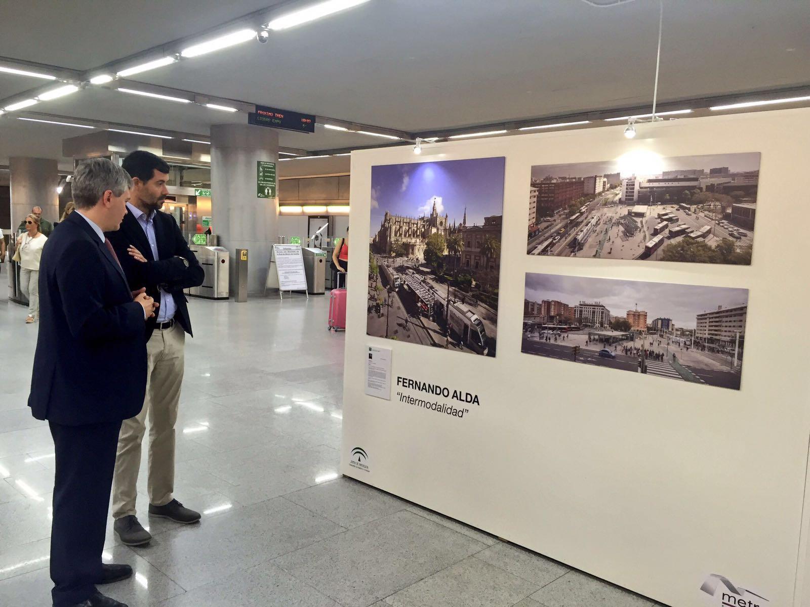 Inauguración de ExpoTránsitos en Puerta Jerez.