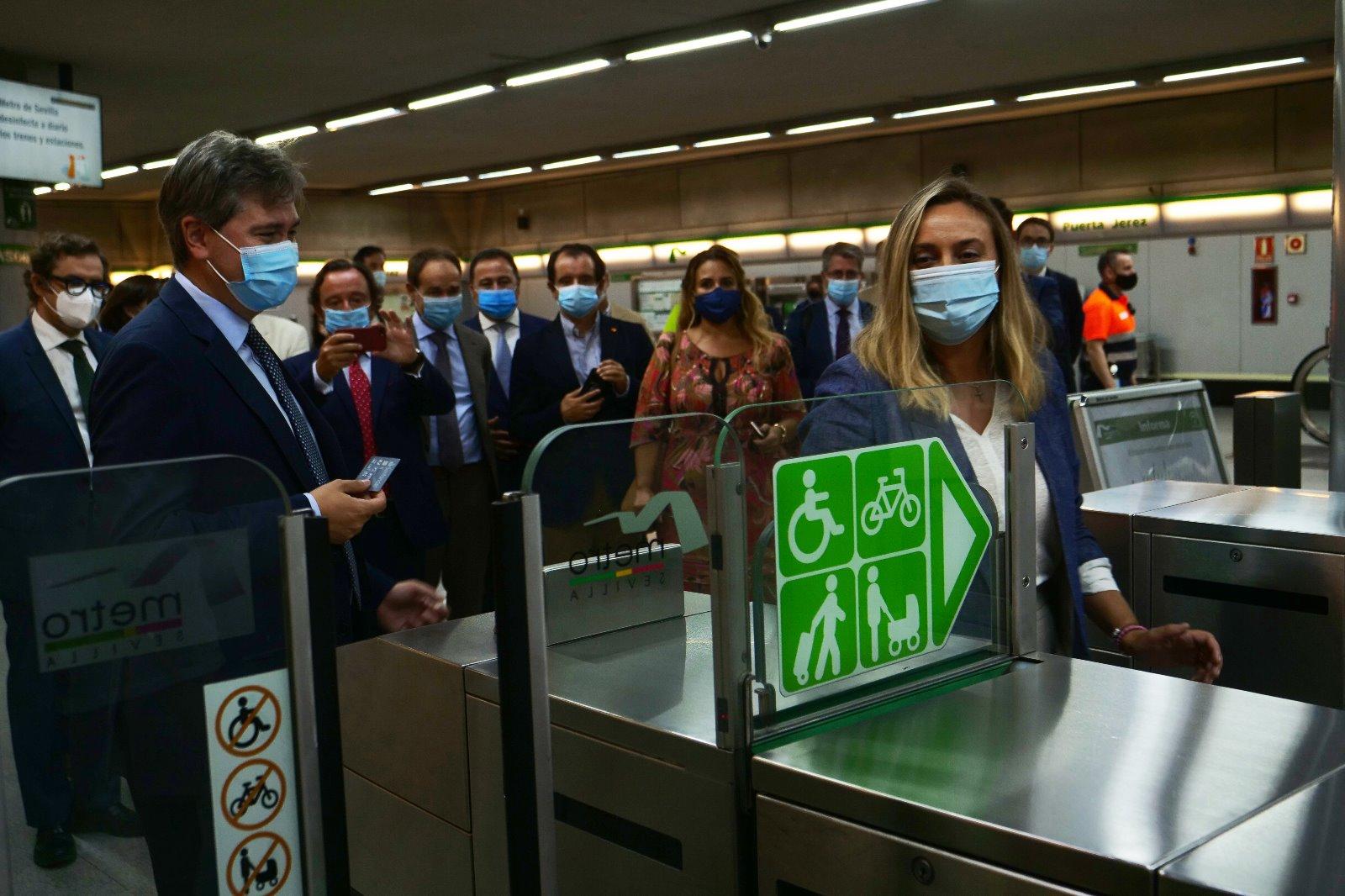 La consejera acude al acto de Metro de Sevilla con motivo de la Semana Europea de la Movilidad.