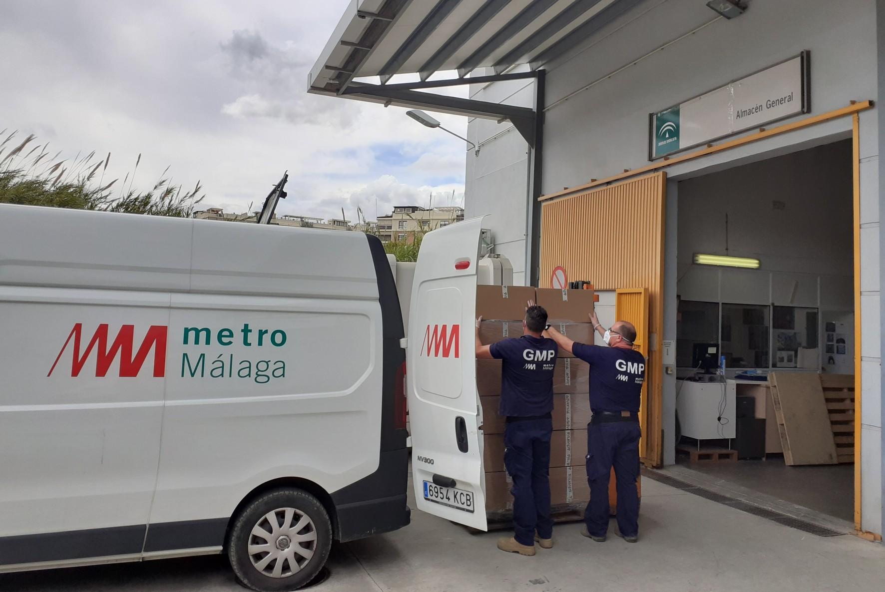 Donación del material al Clínico en Málaga.