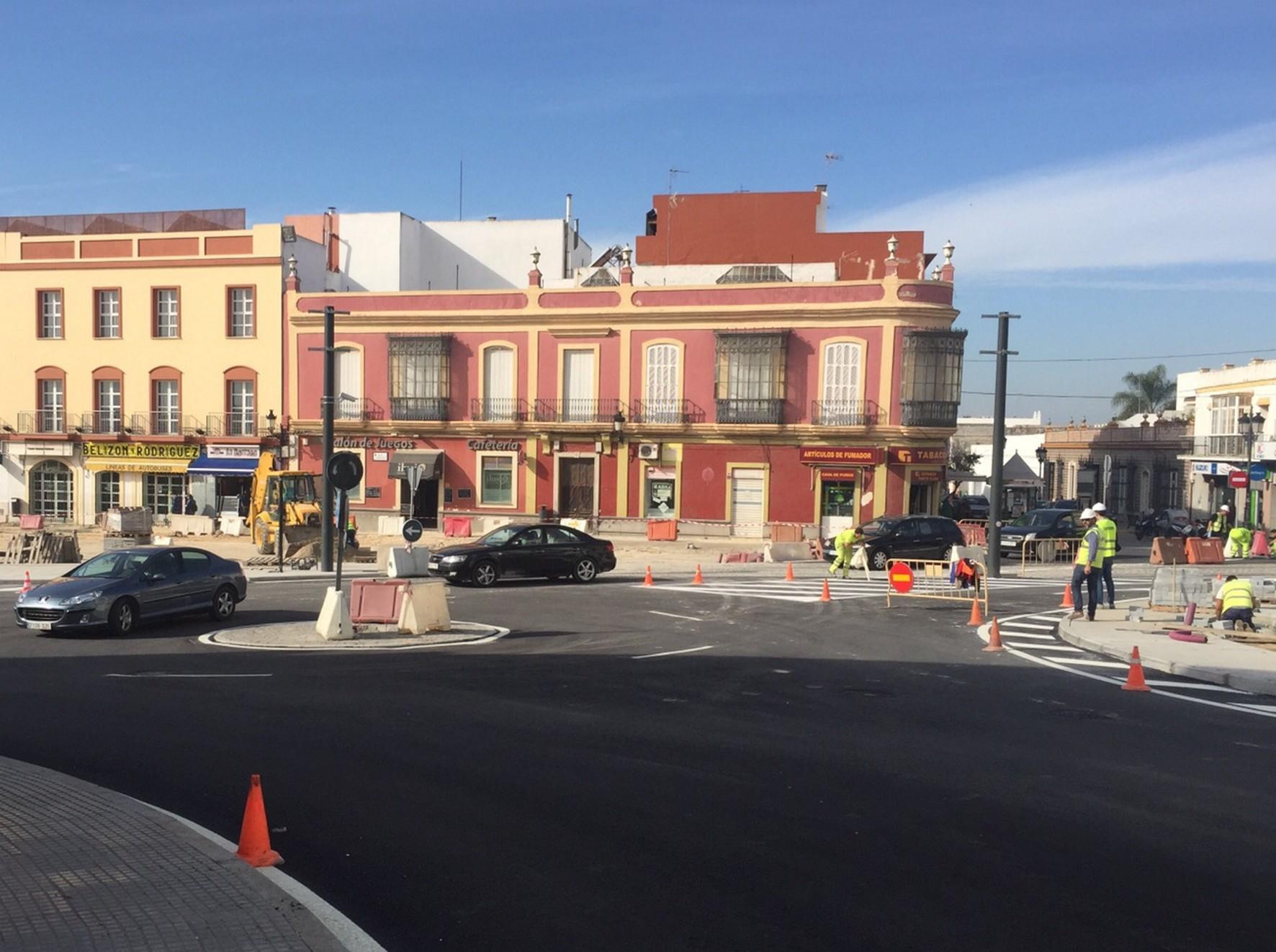 Obras de remodelación de la plaza de Andalucía en Chiclana.