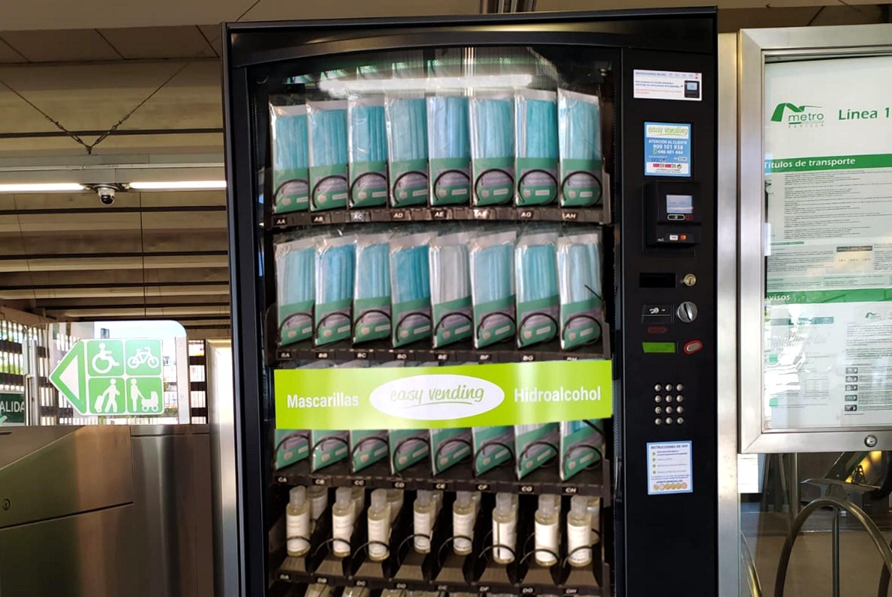 Los usuarios del metro podrán adquirir mascarillas y geles en las estaciones.