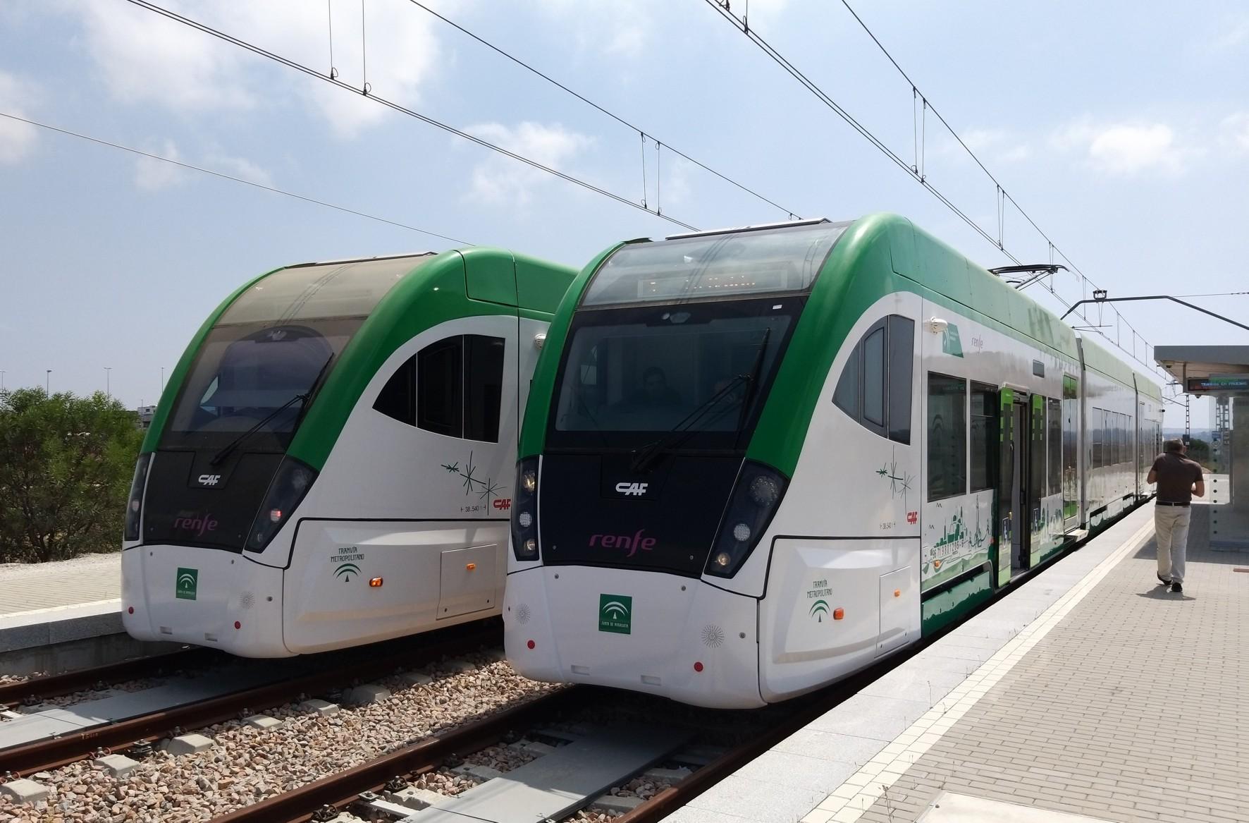 Trenes en rpuebas en el tramo entre Chiclana y San Fernando.