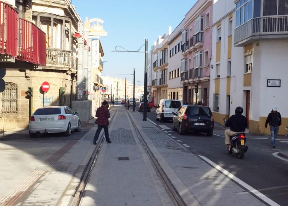 Imagen de la Calle Mendizabal hoy, con el tráfico ya restituido.