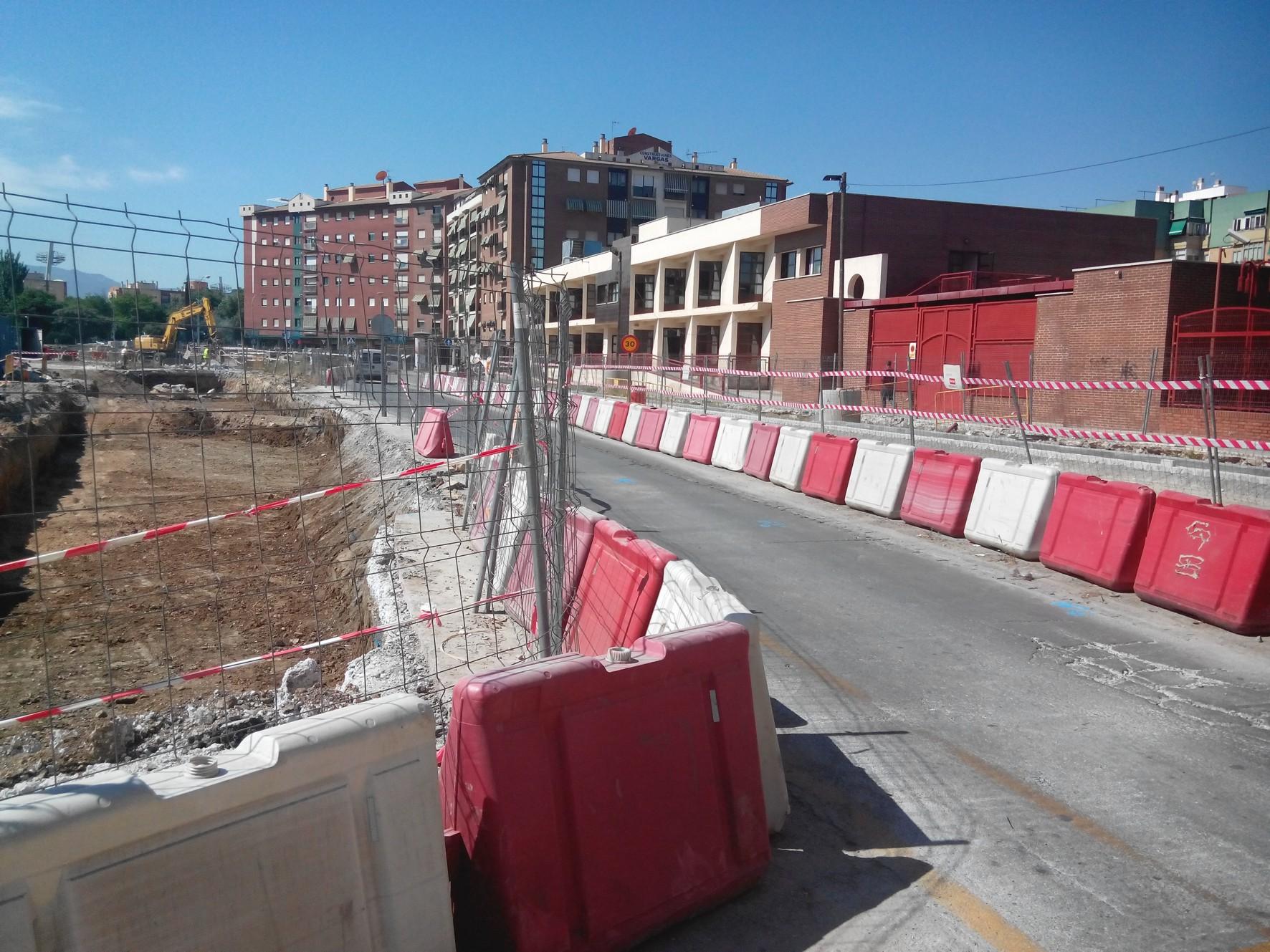 Zona afectada por las obras del metro de Granada en Andrés Segovia.
