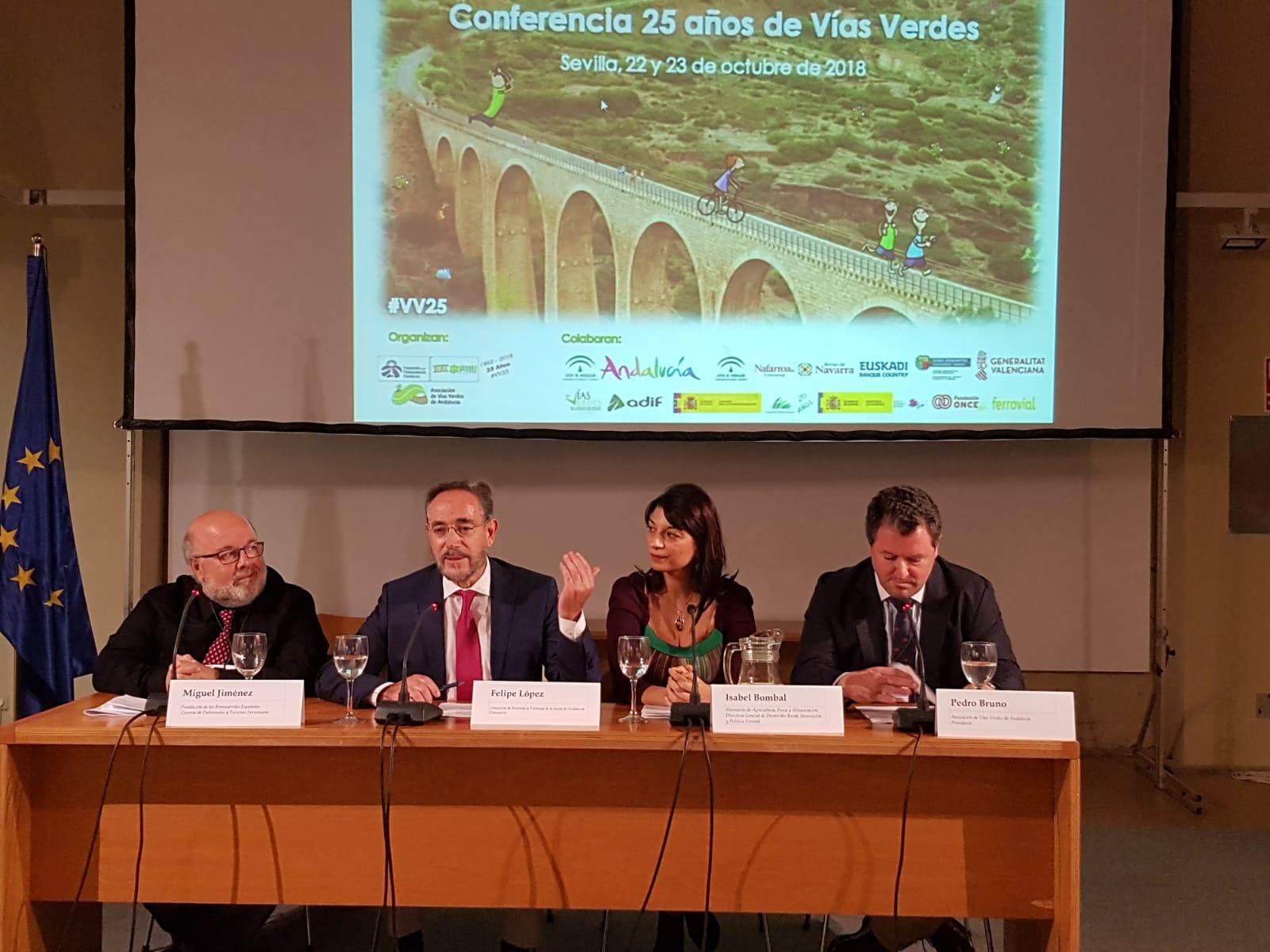 El consejero, Felipe López, ha inaugurado la jornada celebrada con motivo del los 25 años de la creación del primer programa español de Vías Verdes