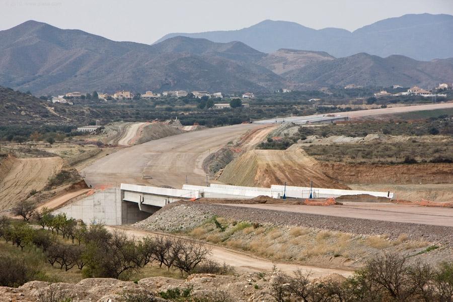 En la foto, obras en el tramo de la variante de Albox de la Autovía del Almanzora.