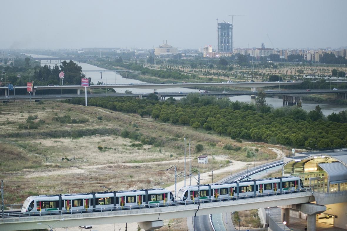 Trenes en composición doble de la Línea 1 de Metro de Sevilla