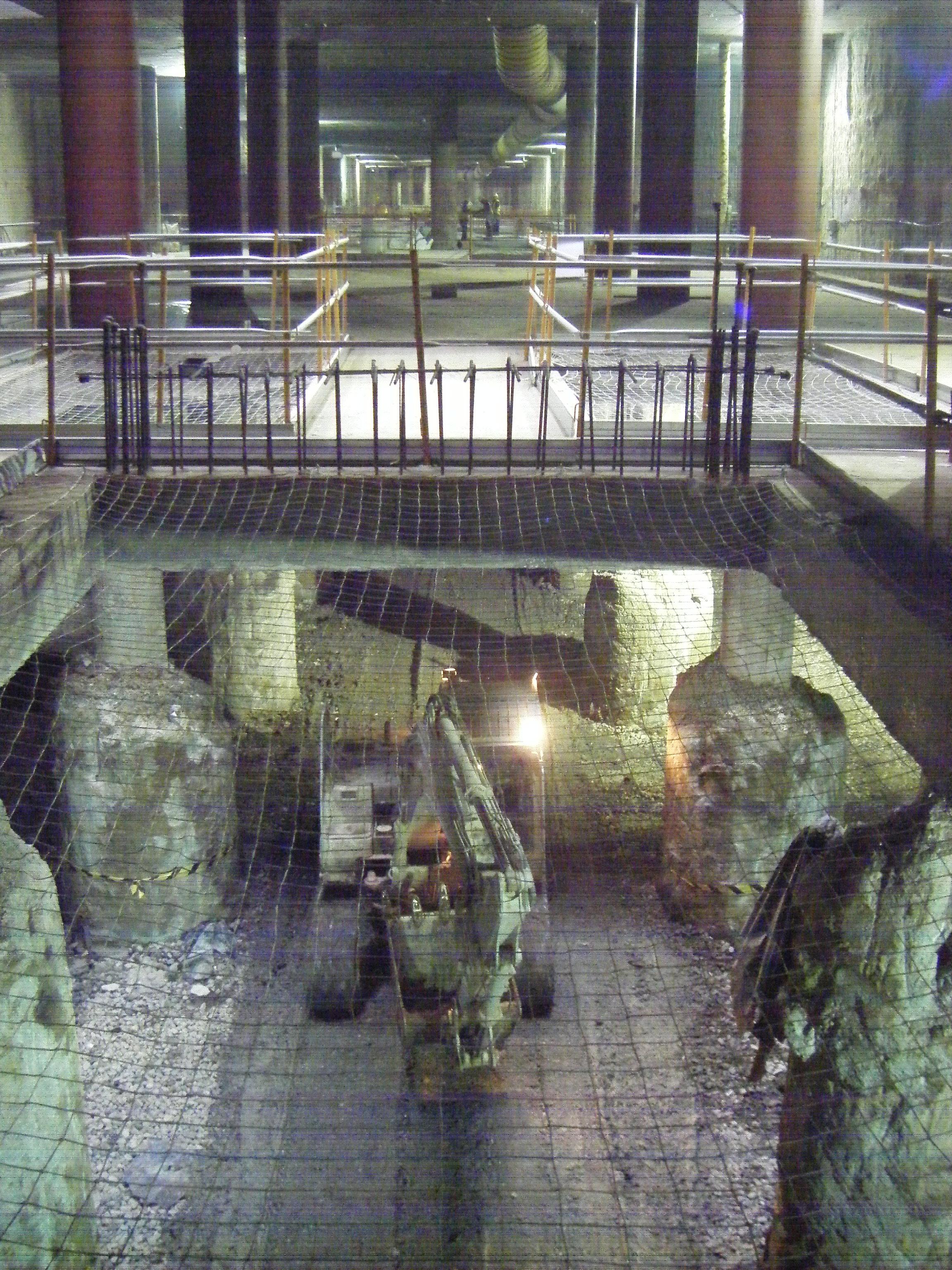 Imagen del final de la excavación entre pantallas del tercer nivel del Intercambiador El Perchel-María Zambrano.
