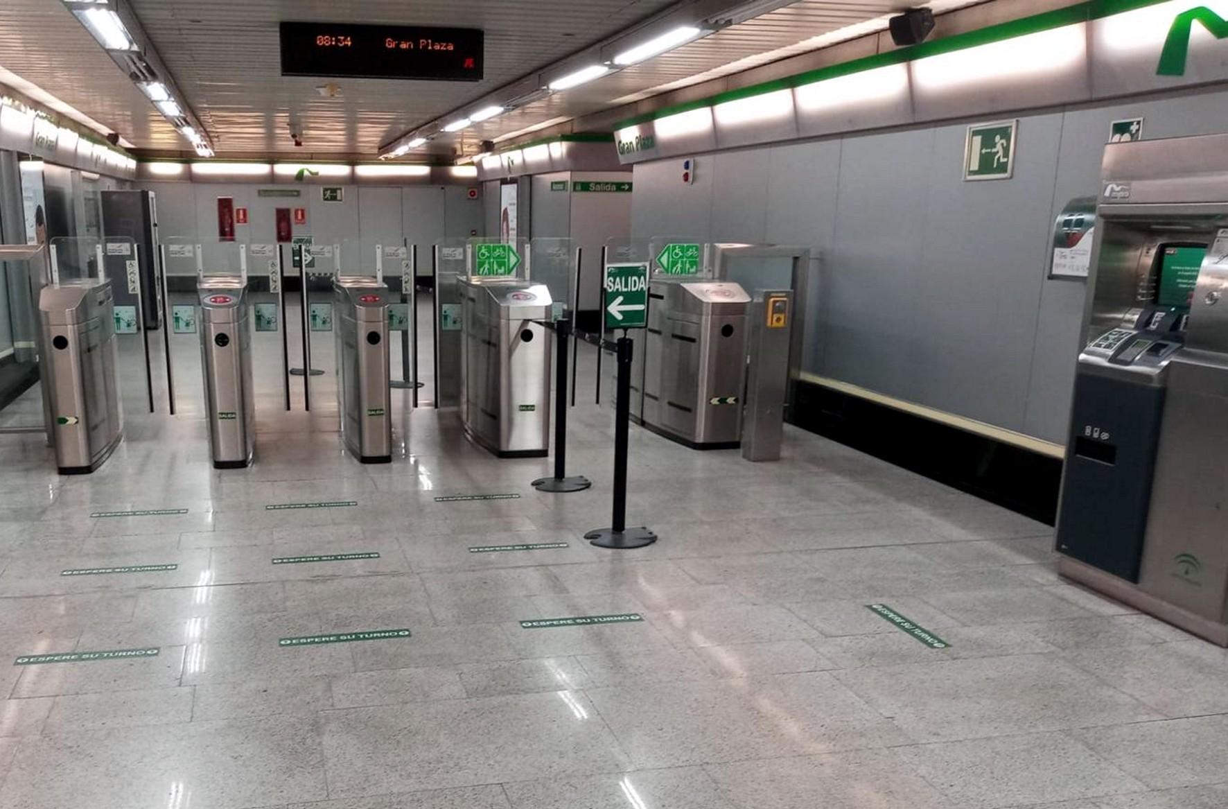 El metro de Sevilla ha reforzado su selaización.